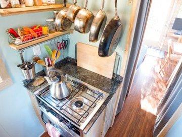 Маленькие хитрости в организации пространства на маленькой кухне