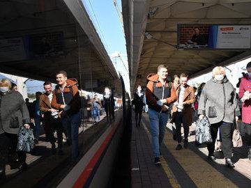 С 26 октября в Петербурге ужесточат масочный режим