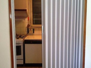 Двери-гармошки - музыка небольших квартир