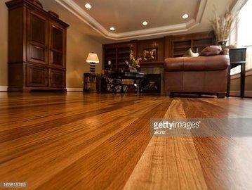 Как установить искусственный деревянный пол