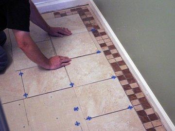 Как самому уложить новую плитку в ванной комнате