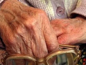 Мошенница украла из квартиры 94-летней пенсионерки 600 тысяч рублей