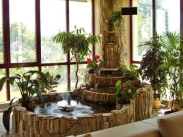 В Барнауле продается шестикомнатная квартира с фонтаном