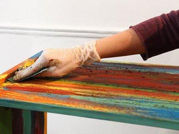Красим столик меловой краской