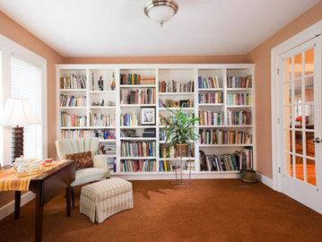 Как органично расставить книги из домашней библиотеки