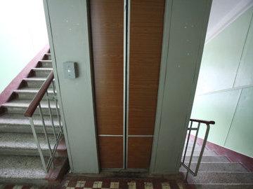 В Москве до конца года заменят 1820 лифтов