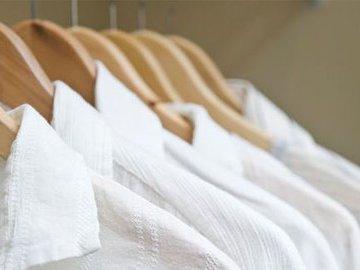 Как правильно отбеливать одежду