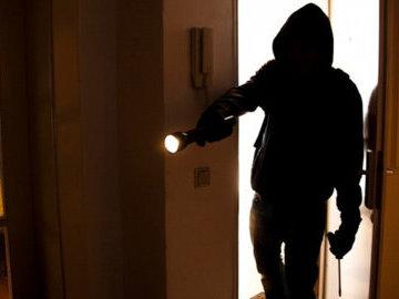 В Москве у водителя украли из квартиры 17,5 миллионов рублей