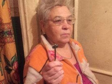 57-летняя жительница Воронежа в течение пяти лет попадал к себе домой через окно