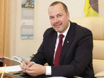 Депутат прокомментировал идею разрешить приставам взламывать двери квартир