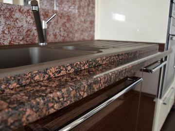 Виды столешниц для кухни: плюсы и минусы различных материалов
