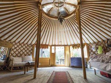 Уютная юрта за $65 000: как ее создала одна пара