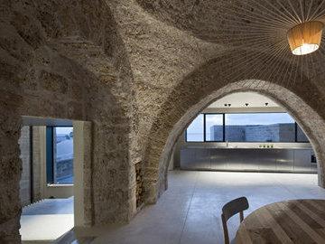 Необычный дом в камне: как обычный известняк стал идеальным местом для жилья