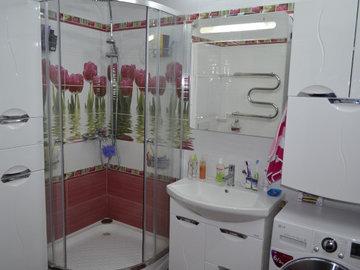 Потрясающие душевые кабины для маленьких ванных комнат. Часть 2