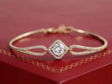 Волгоградец украл у своей подруги золотой браслет стоимостью 11 тысяч рублей