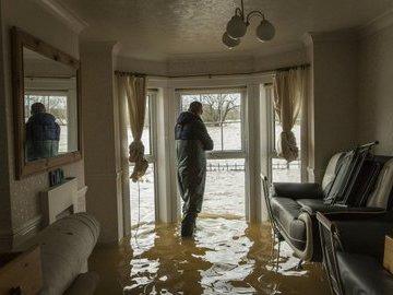 Как восстановить квартиру после затопления?